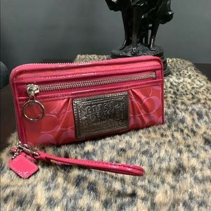 COACH POPPY FULL SIZE WALLET AND WRISTLET